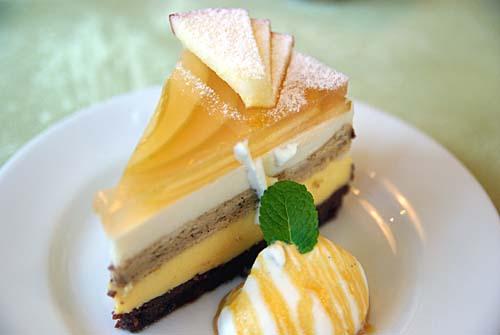 ROSE WOOD ローズウッド リンゴのケーキ