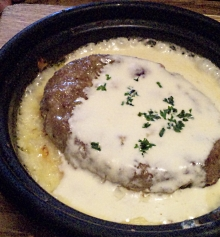 チーズフォンデュ風ハンバーグドリア