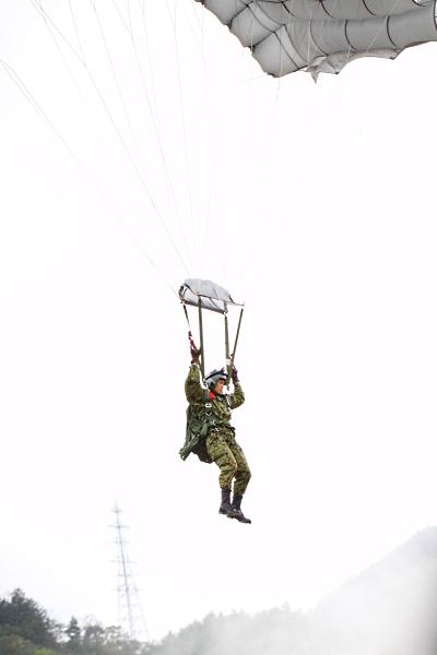 パラシュート降下2