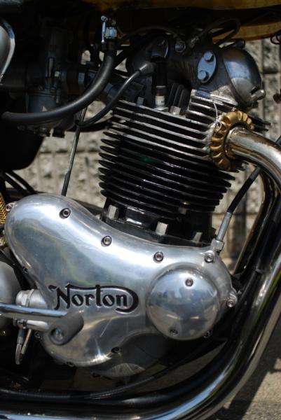 Norton Commando 750 ファストバック