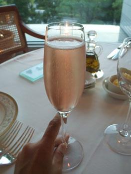 シャンパンとバラのカクテル☆