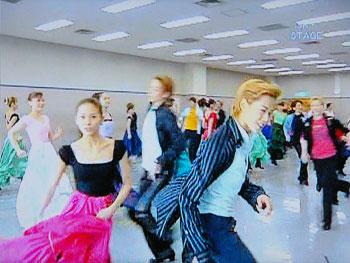 ダンシング・フォー・ユー:お稽古場 ようこちゃんもカメラ目線☆