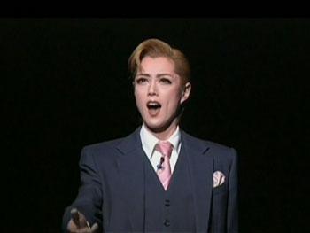 会場に響く悠河ジャスティンの深く優しい歌声