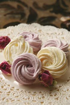 祝:千秋楽のベルサイユのばら風メレンゲ菓子