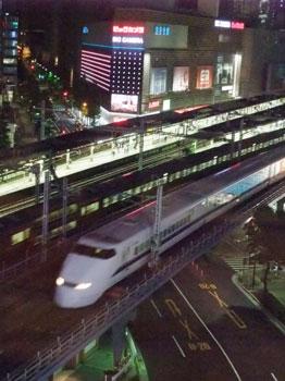 窓から見える新幹線に、懐かしい思い。