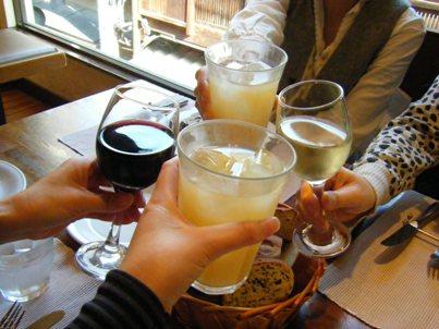イタリアンにワイン・・・。カッコイイじゃない。私もワイン飲めるものなら飲みたい~~~!