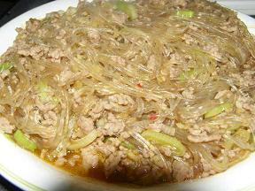 ひき肉と春雨の中華風煮込み