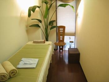 鍼灸院のカーテン2