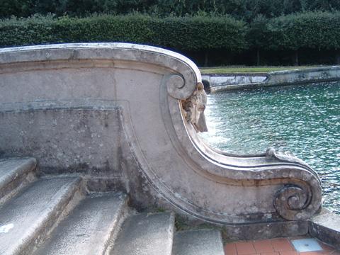 05_カゼルタ王宮の広場階段
