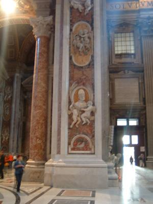 20_サンピエトロの柱のひとつ
