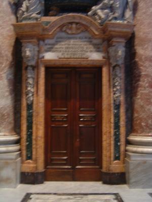 21_サンピエトロの扉