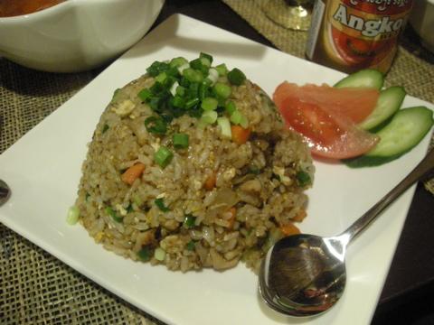 カンボジア炒飯