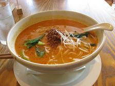 南国酒家の坦坦麺