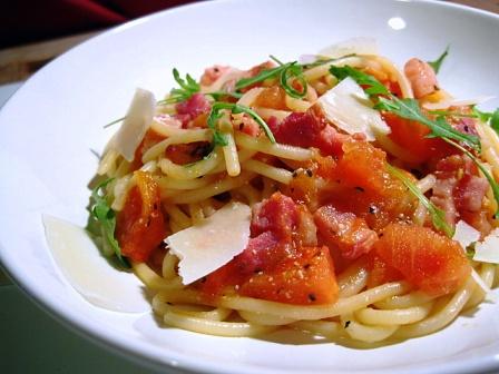 トマトとパンチェッタのスパゲッティ