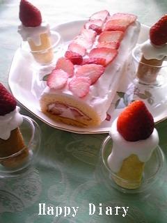 苺のキャンドルケーキとロールケーキ