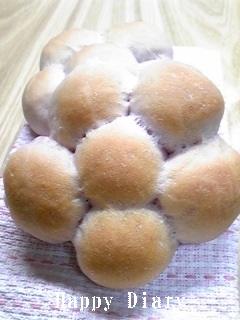 紫芋のフラワーモーニングパン