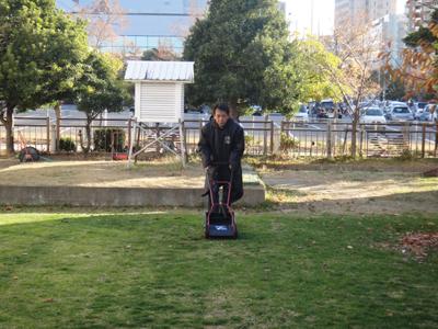 2010.12.4芝生メンテ 006