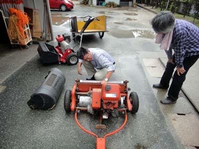 2011.11.19芝生機械メンテ 001