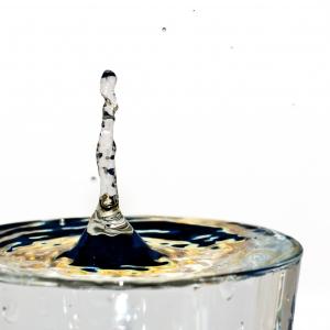1307290_water_drops_3.jpg
