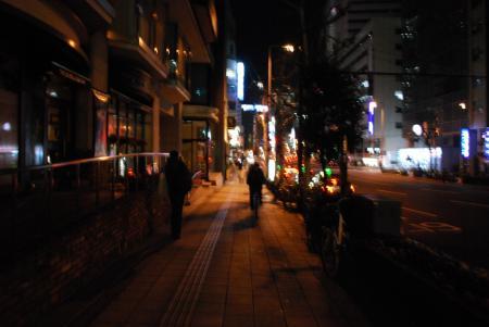 2028夜の街路