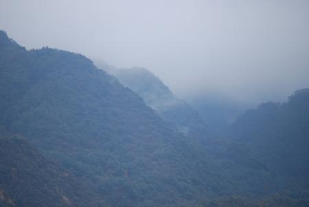 2169霞む山々