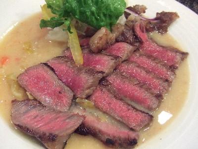 常陸牛サーロインの腐乳・泡菜ソース