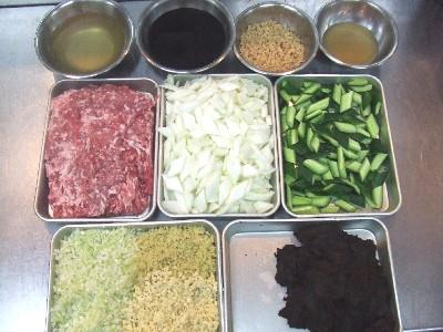 炸醤麺の材料