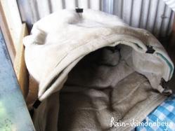 毛布でかまくら作ってみました (^ ^V