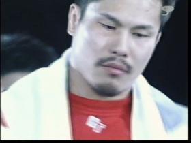 田村の表情は…