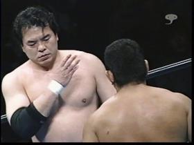 ブレイク際の一発に三沢はこのアクション