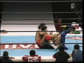 高田も足を極めに行く、