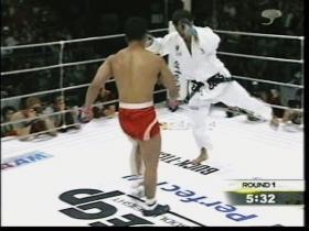 吉田の左足が流れ始める