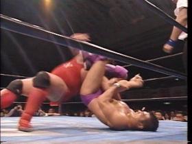 高田の脚力が勝る、