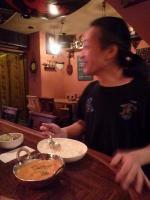 【FREE BYRD】 のタイカレーを食べるg村山義光氏