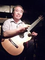 クラシックギタリスト長岡増男さん