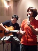 ホストvo山下みさ子先生とギター参加者