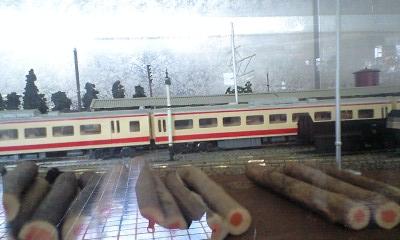 100323電車模型