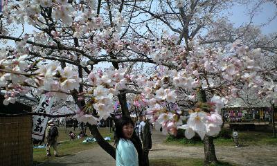 100406桜祭実織3