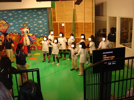 DSC02333キッザニアテレビ局ピラメキ体操リハ