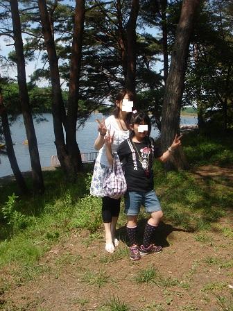 DSC02847宮沢湖畔実織と咲