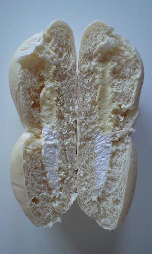 雪だるまのパン
