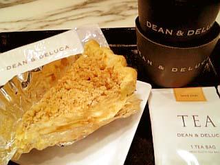 DEAN&DELUCA ケーキセット(サワークリームアップルパイ+チャイ)