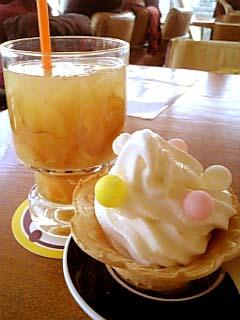 adito 生姜蜂蜜(炭酸割り)+特製ソフトクリーム