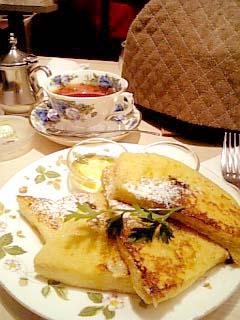 ケンジントン・ティールーム 紅茶フレンチトースト+クイーンズ