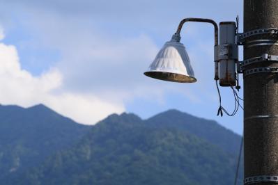 土樽駅ホームの電灯