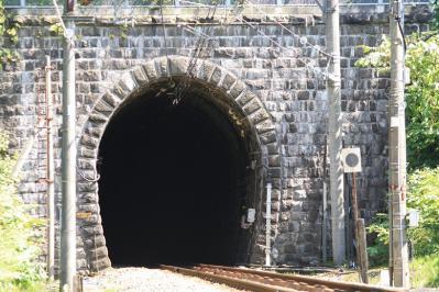 清水トンネル。煉瓦作りから歴史を感じる。