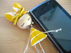 携帯とフラうさぎ