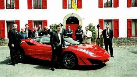 FerrariSP1とオーナーの写真