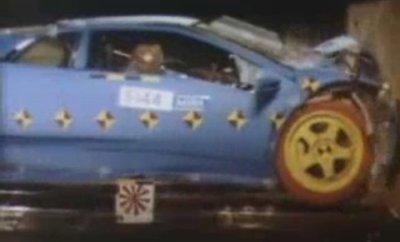 ランボルギーニディアブロのフロントクラッシュテスト画像