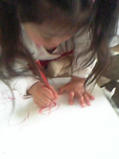 字ではなく絵を描くりこたん画伯
